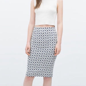 Zara Blue and White Diamond Pattern Pencil Skirt